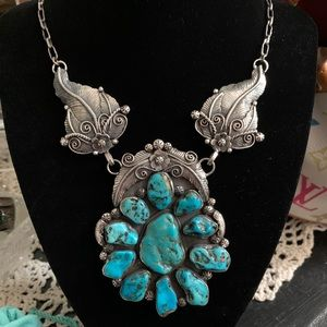 Authentic Vintage Native American Turquoise Neckla